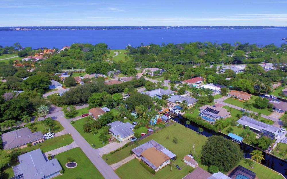 1019 Sumica Dr, Fort Myers - Home For Sale 1444829571