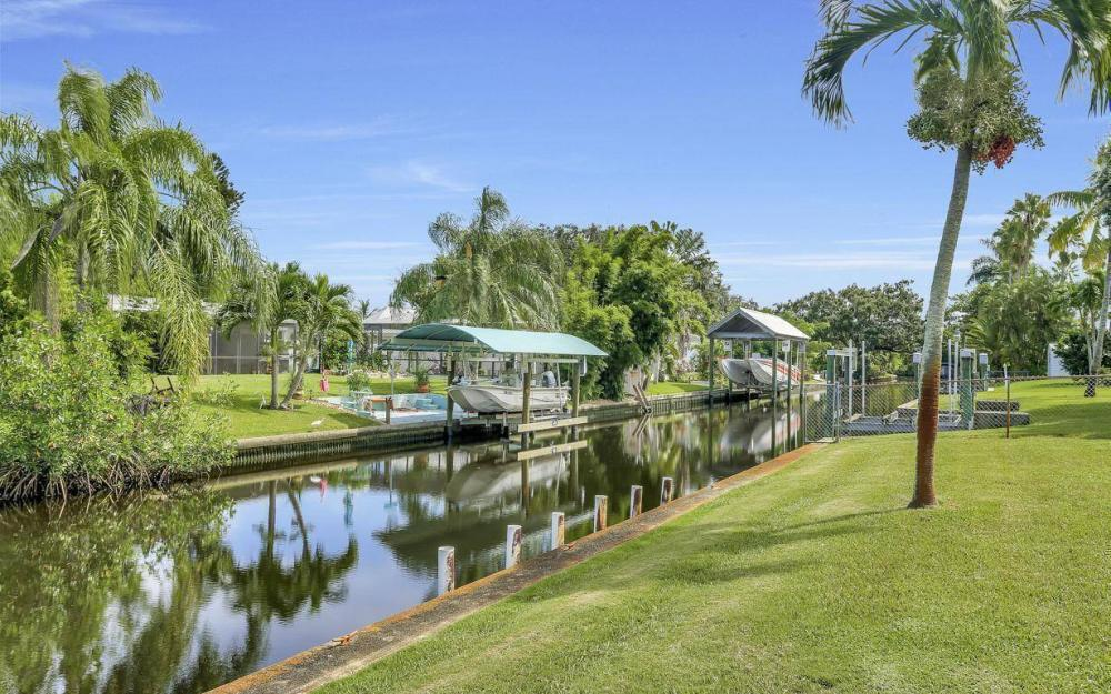 1019 Sumica Dr, Fort Myers - Home For Sale 425649707