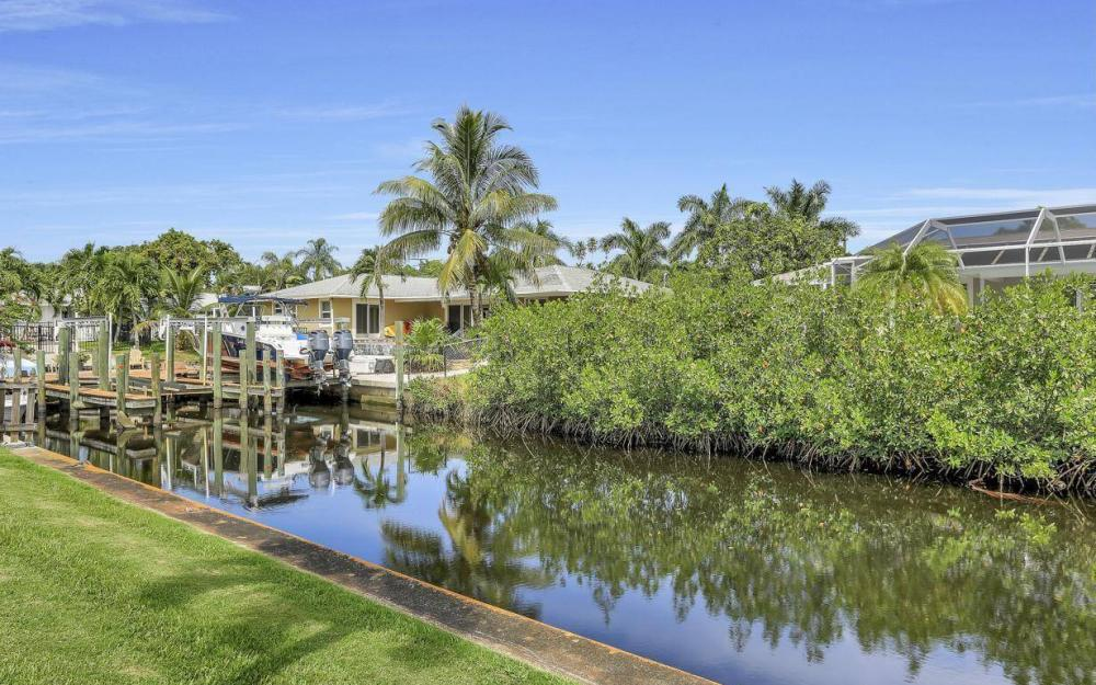 1019 Sumica Dr, Fort Myers - Home For Sale 499852944
