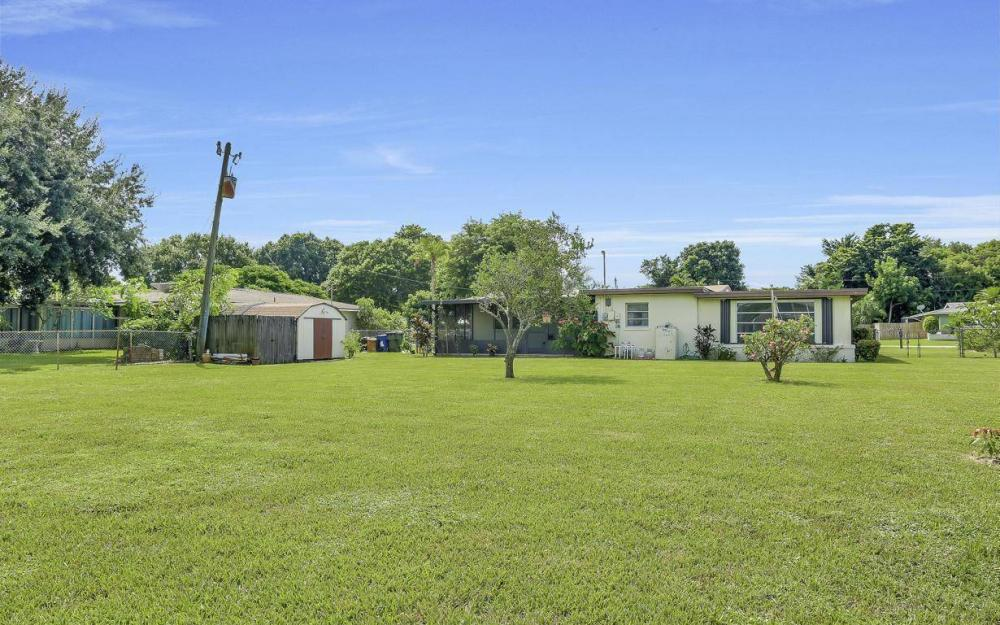 1019 Sumica Dr, Fort Myers - Home For Sale 1345335755
