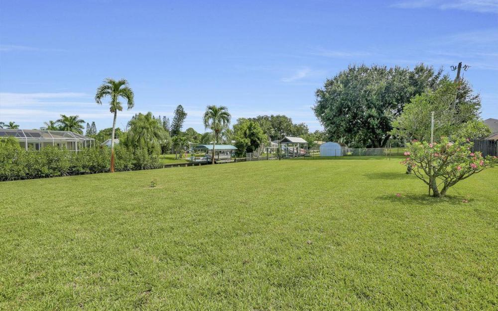 1019 Sumica Dr, Fort Myers - Home For Sale 1841114619
