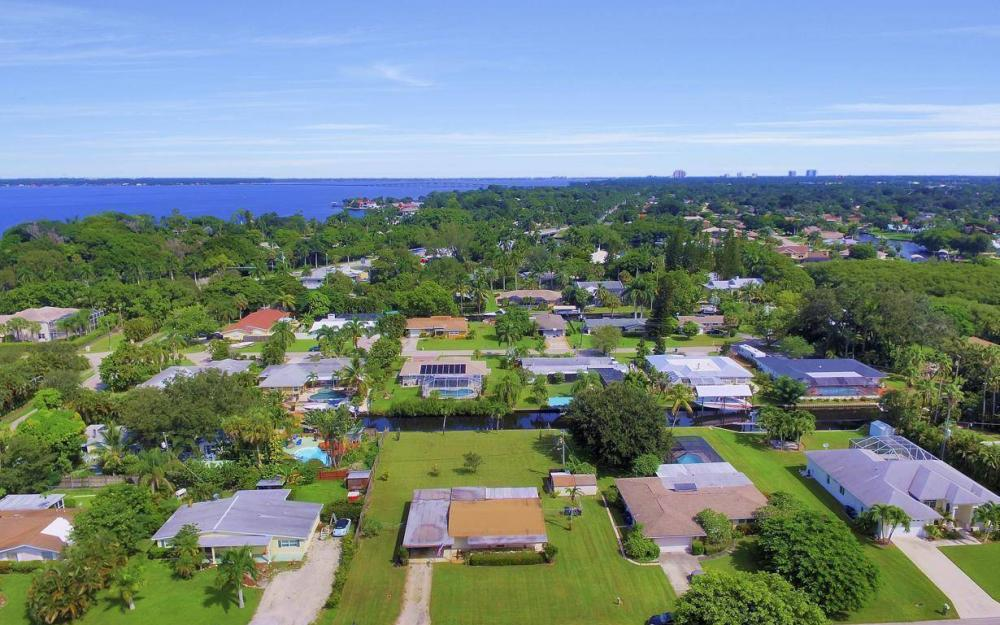 1019 Sumica Dr, Fort Myers - Home For Sale 754514949