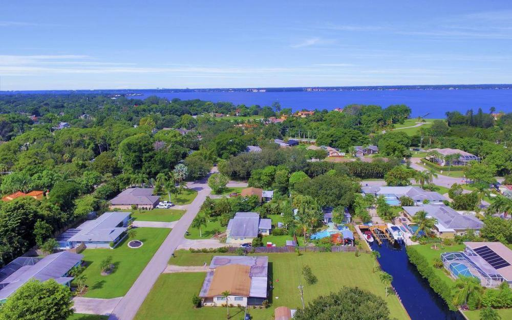 1019 Sumica Dr, Fort Myers - Home For Sale 435014510