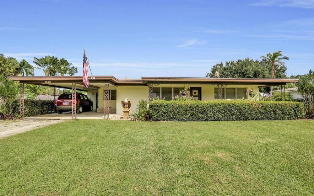 1019 Sumica Dr, Fort Myers - Home For Sale 1401820808
