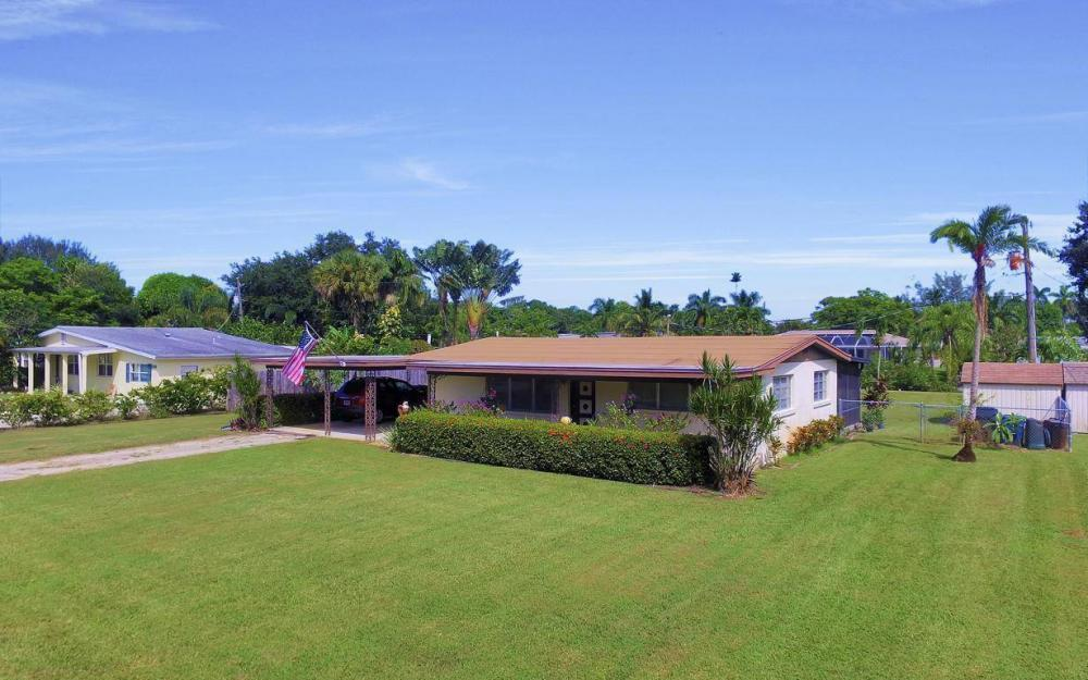 1019 Sumica Dr, Fort Myers - Home For Sale 2038486145