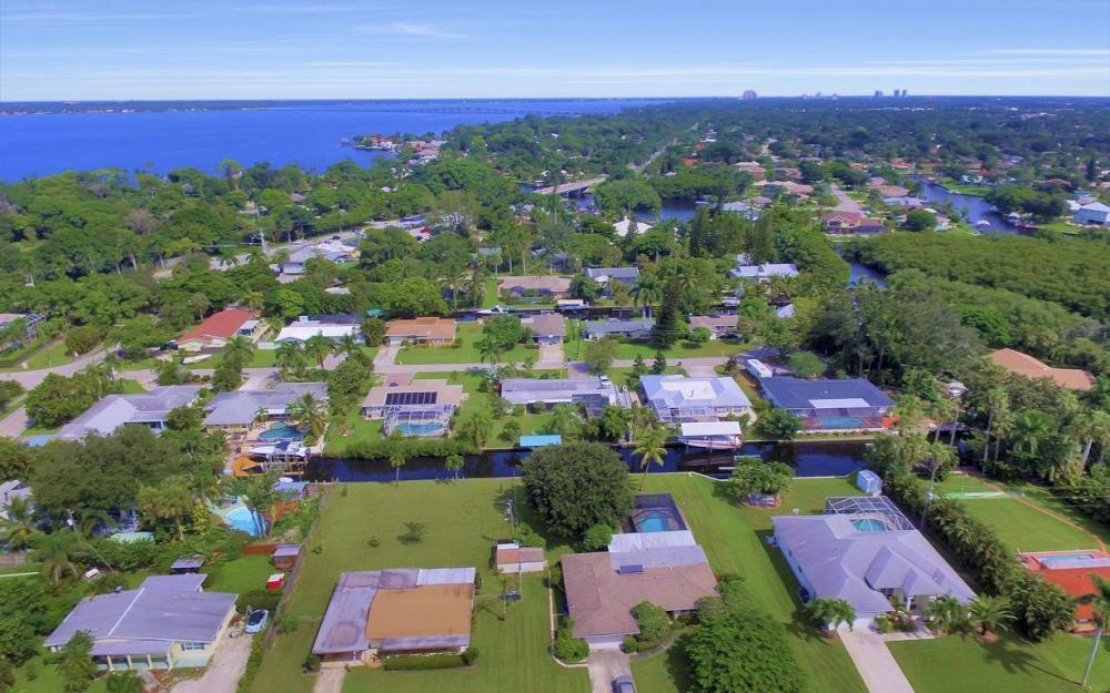 1019 Sumica Dr, Fort Myers - Home For Sale 673467605
