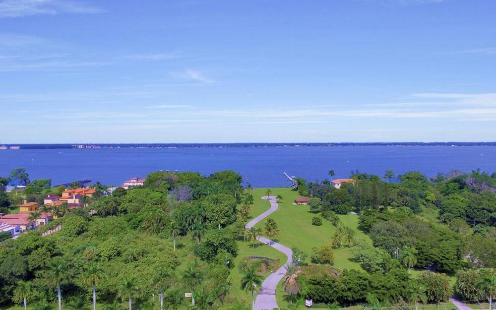 1019 Sumica Dr, Fort Myers - Home For Sale 1213650447