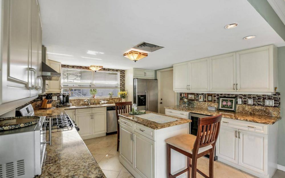 875 Robin Ct, Marco Island - Home For Sale 2112939613
