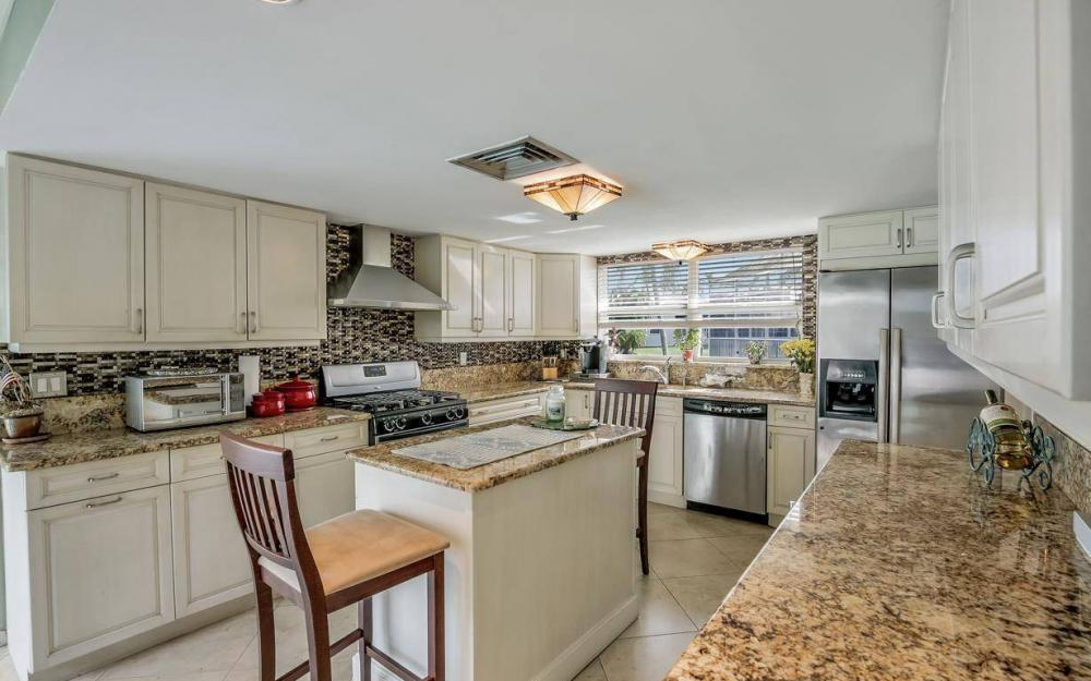 875 Robin Ct, Marco Island - Home For Sale 1207041403