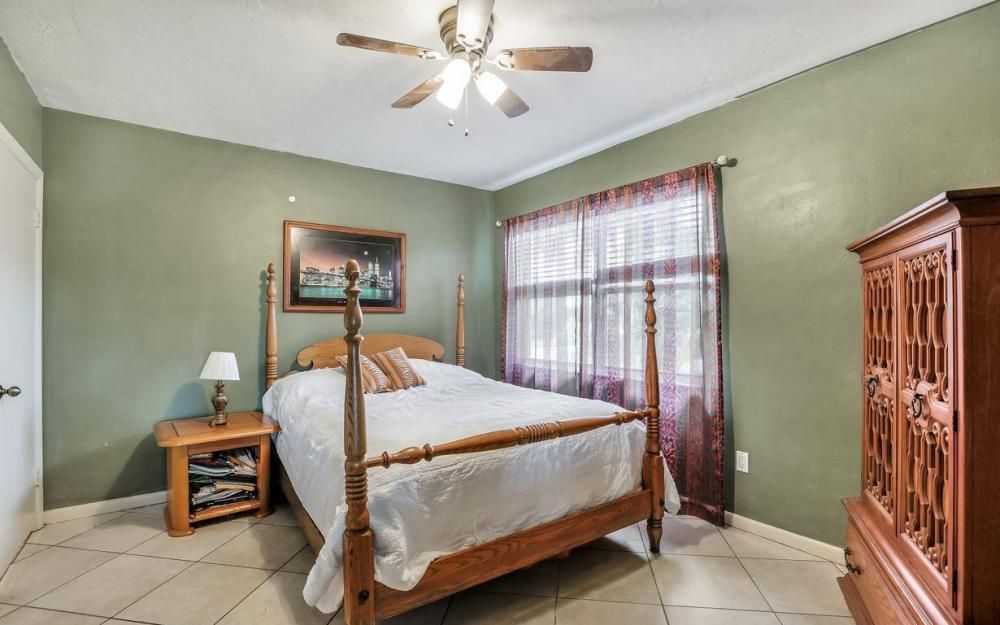 875 Robin Ct, Marco Island - Home For Sale 912797091