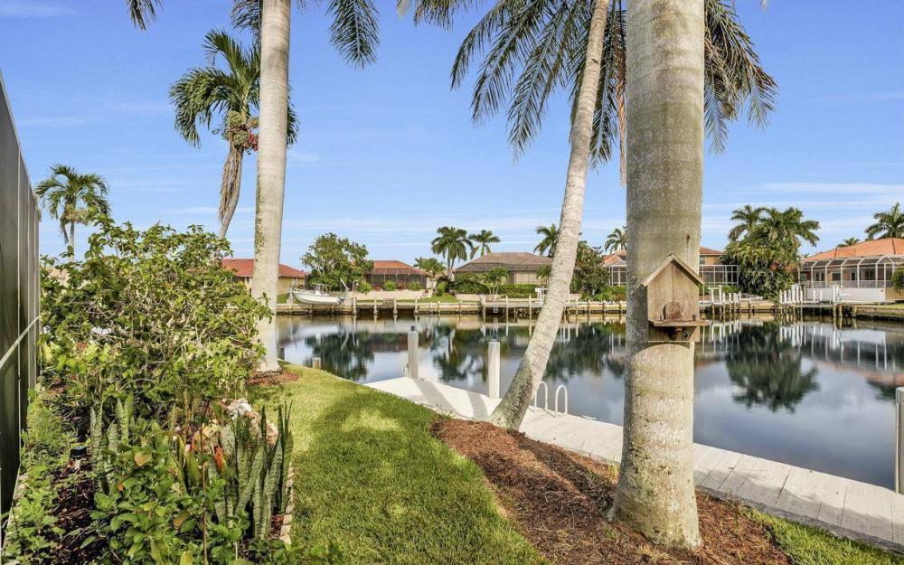875 Robin Ct, Marco Island - Home For Sale 665984079