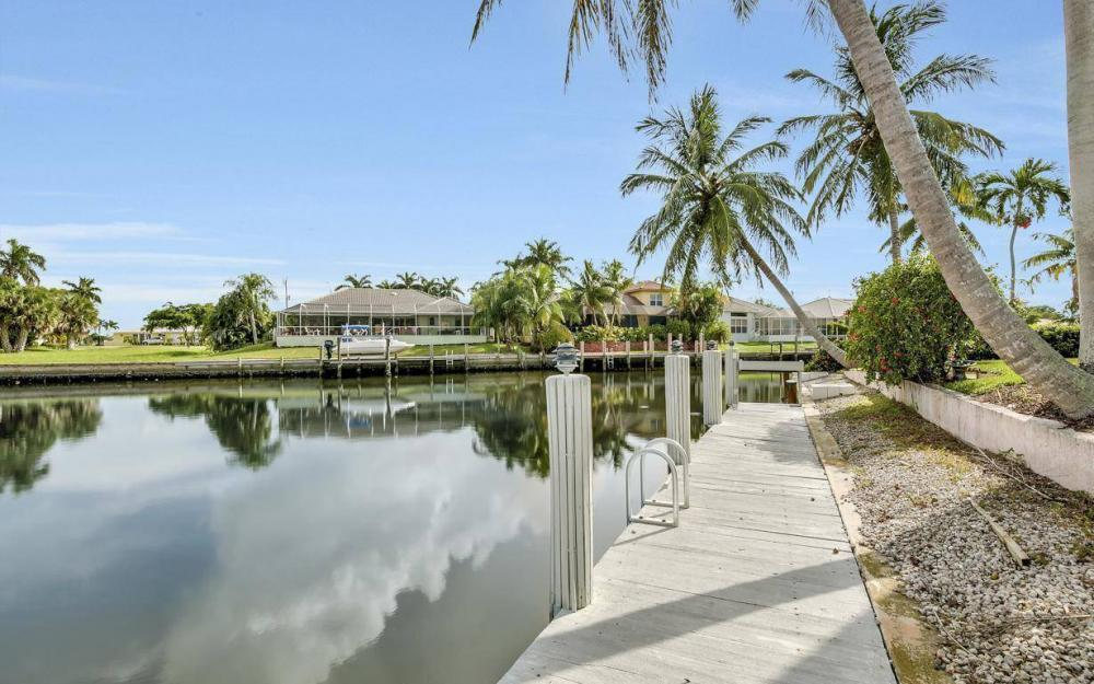 875 Robin Ct, Marco Island - Home For Sale 400226525