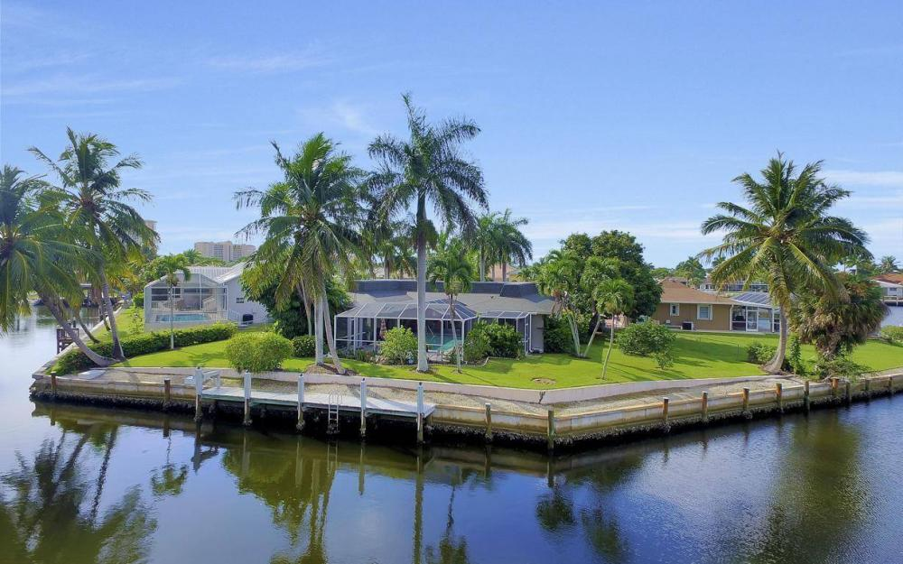 875 Robin Ct, Marco Island - Home For Sale 962517787