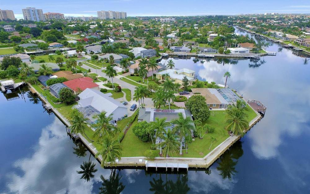 875 Robin Ct, Marco Island - Home For Sale 614333285