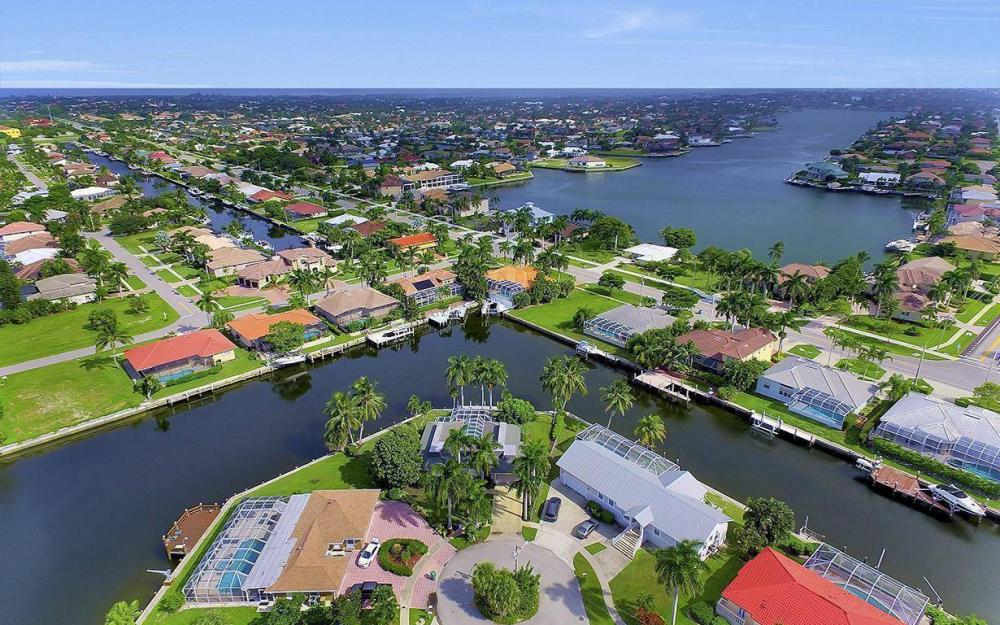 875 Robin Ct, Marco Island - Home For Sale 1640010851