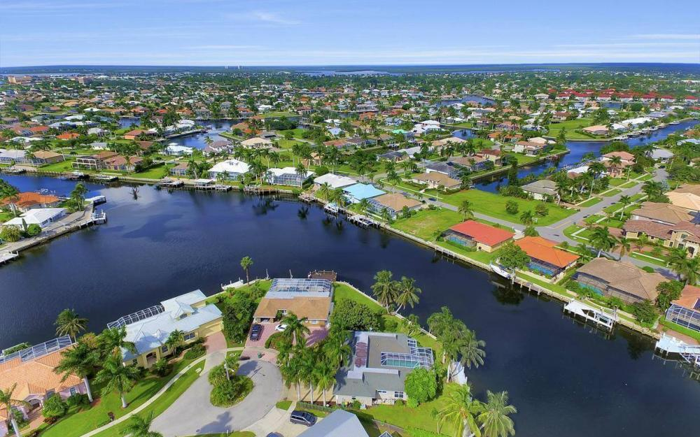 875 Robin Ct, Marco Island - Home For Sale 1985230118