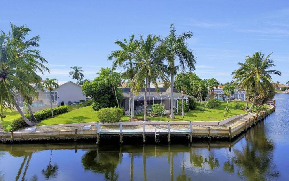 875 Robin Ct, Marco Island - Home For Sale 1001709203