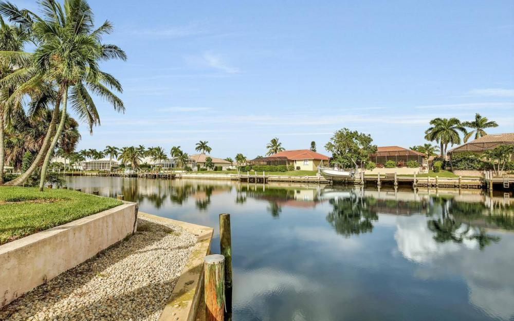 875 Robin Ct, Marco Island - Home For Sale 603416679
