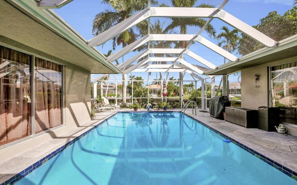 875 Robin Ct, Marco Island - Home For Sale 2108193126
