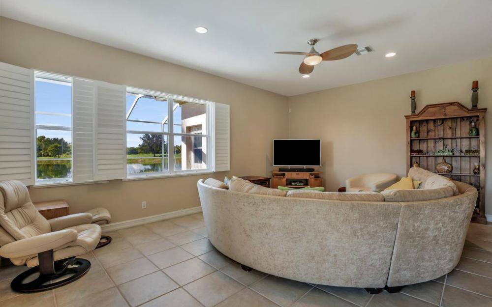 10504 Bellagio Dr, Fort Myers - Home For Sale 682902598