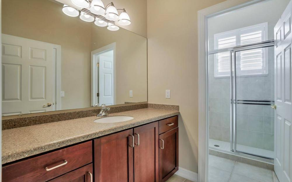 10504 Bellagio Dr, Fort Myers - Home For Sale 1912240378