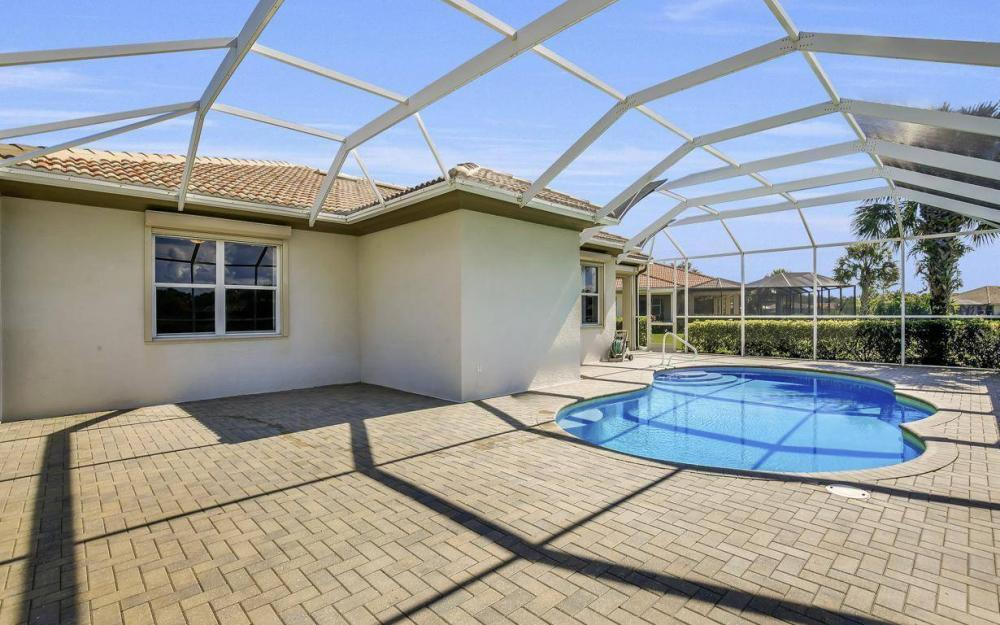 10504 Bellagio Dr, Fort Myers - Home For Sale 1830669611