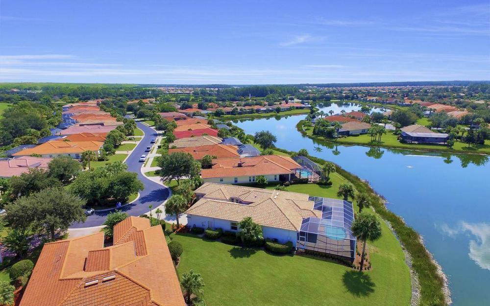 10504 Bellagio Dr, Fort Myers - Home For Sale 634911254