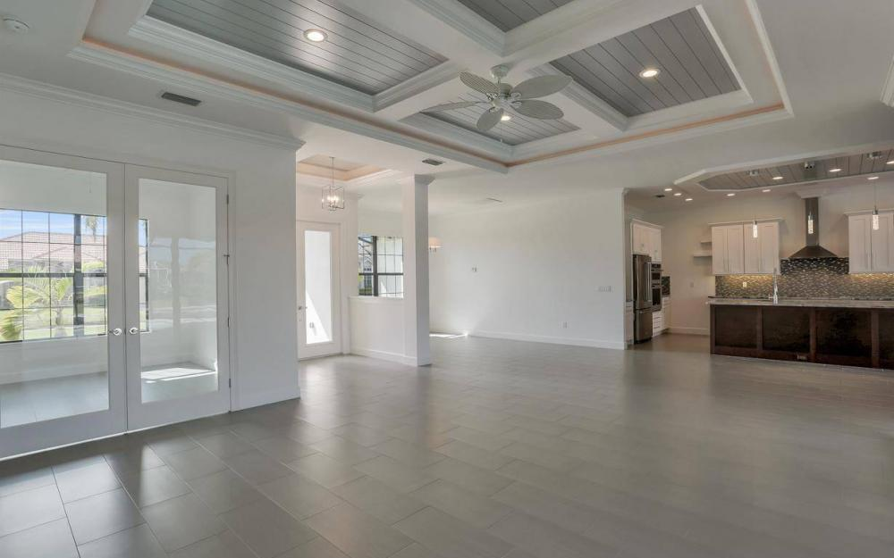 920 Moon Ct, Marco Island - Home For Sale 1742158128