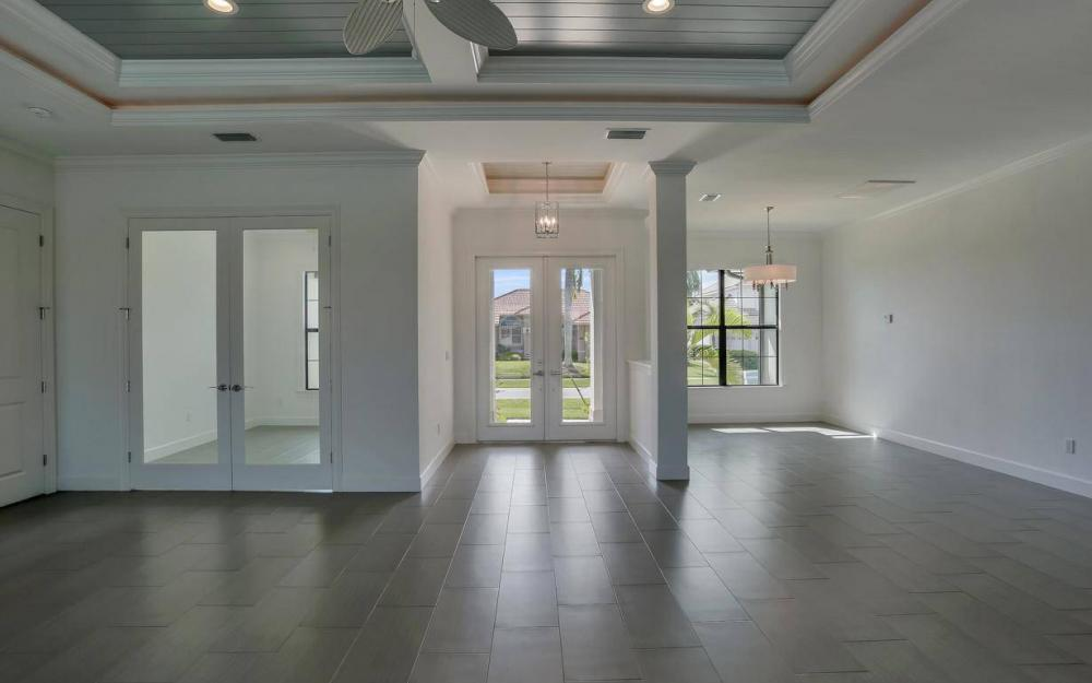 920 Moon Ct, Marco Island - Home For Sale 428534451