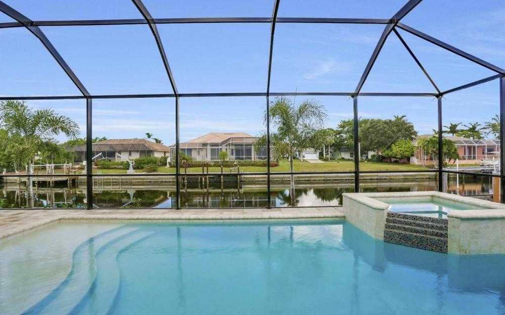 920 Moon Ct, Marco Island - Home For Sale 624427944