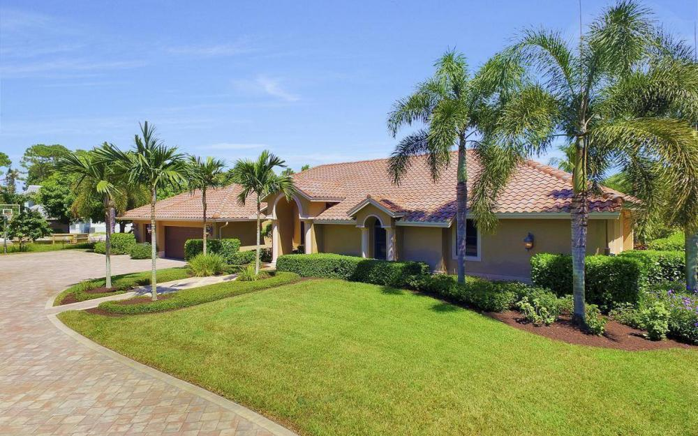 692 Carica Rd, Naples - Home For Sale 437392153