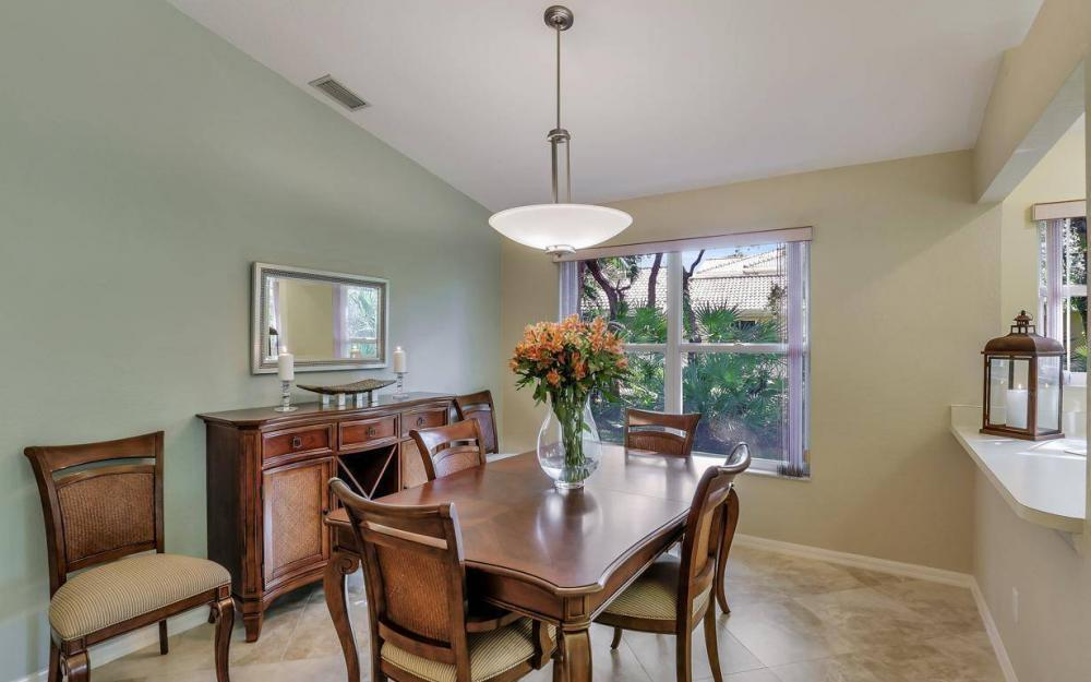 341 Emerald Bay Cir T-2, Naples - Home For Sale 806615699