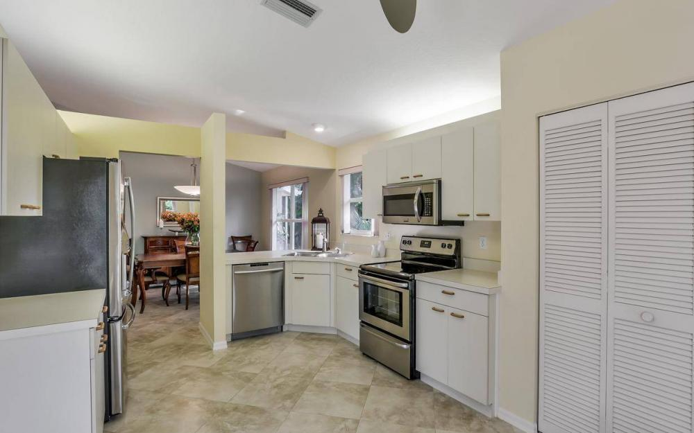 341 Emerald Bay Cir T-2, Naples - Home For Sale 22588373
