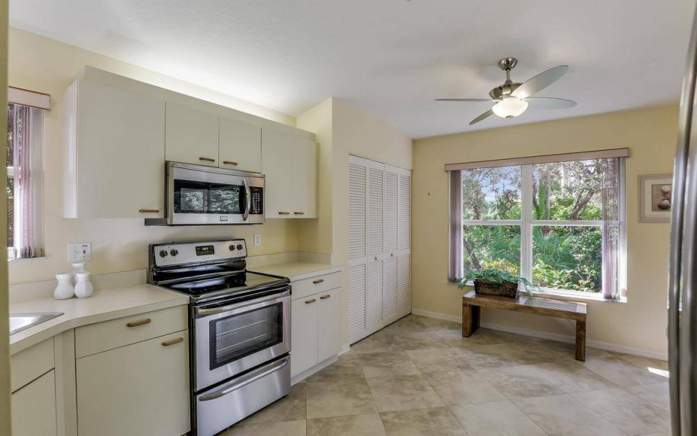 341 Emerald Bay Cir T-2, Naples - Home For Sale 715741785