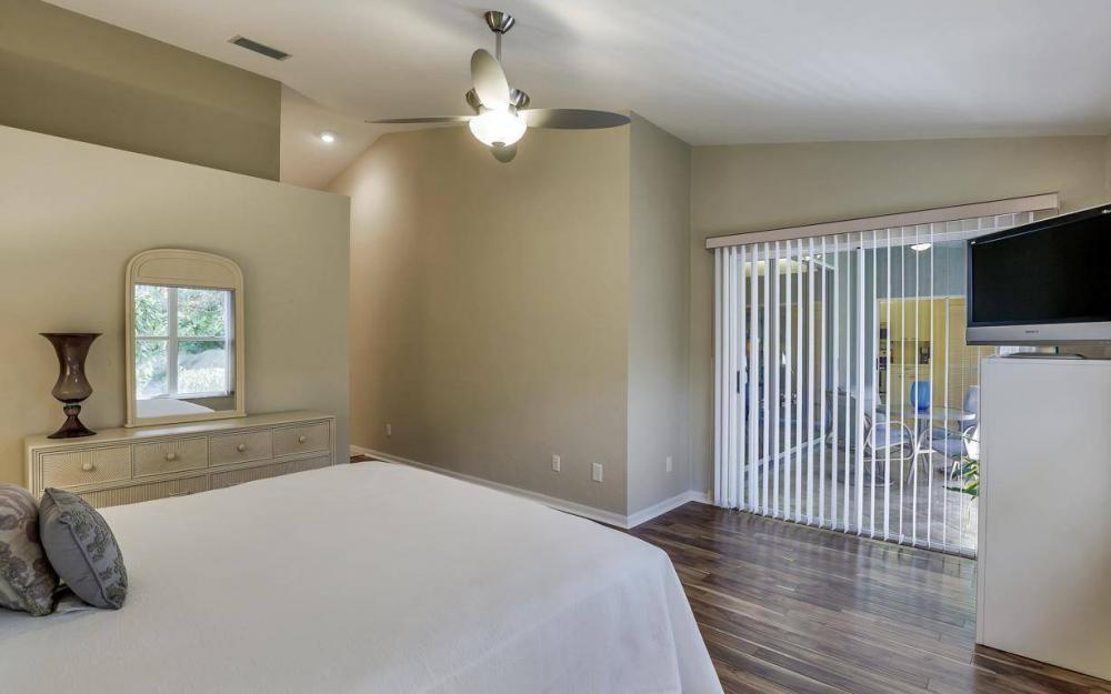 341 Emerald Bay Cir T-2, Naples - Home For Sale 1181567562