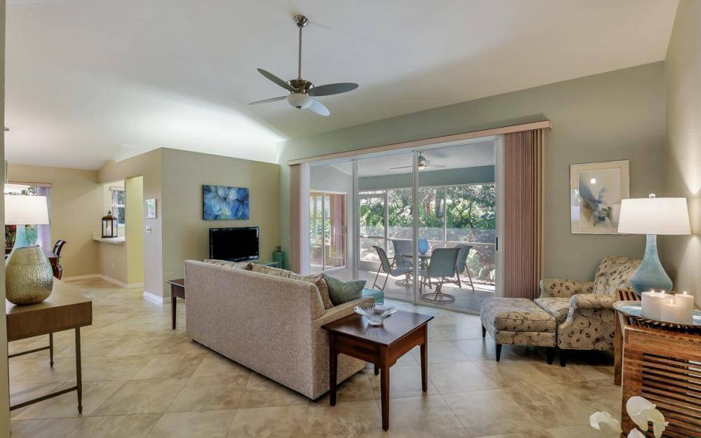 341 Emerald Bay Cir T-2, Naples - Home For Sale 1259101103