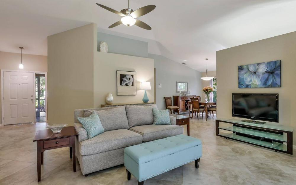 341 Emerald Bay Cir T-2, Naples - Home For Sale 402681409