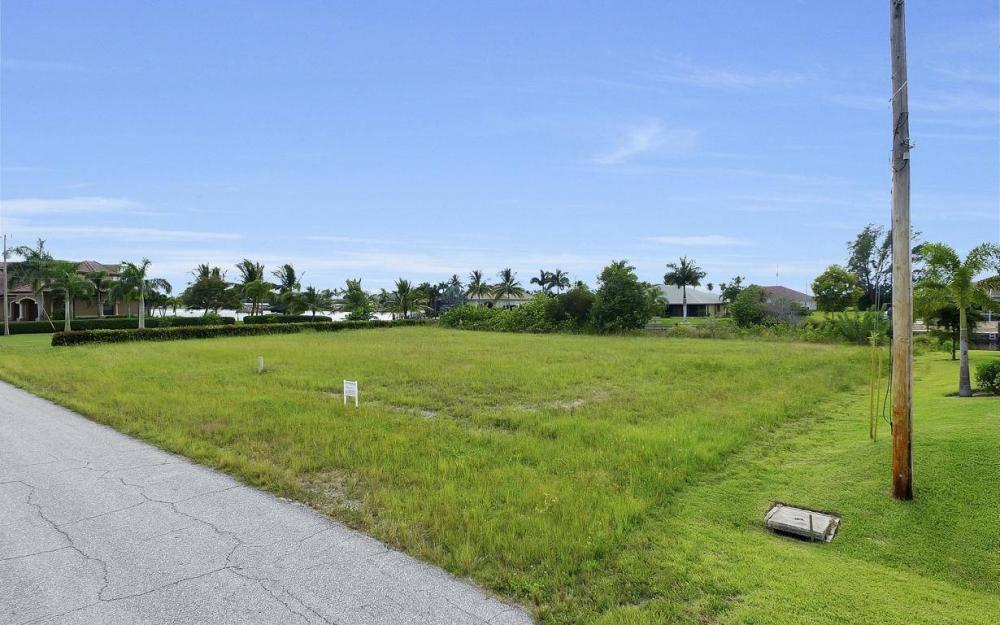 136 SW 38th Pl, Cape Coral - Lot For Sale 584447775