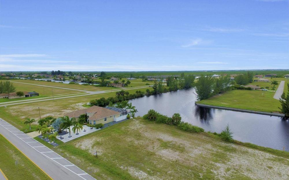 1616 N Old Burnt Store Rd, Cape Coral - Lot For Sale 2021341275