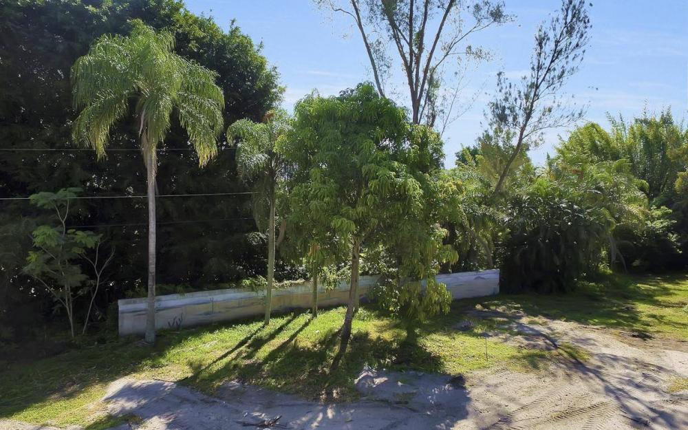 142 Eugenia Dr, Naples - Lot For Sale 1094745210