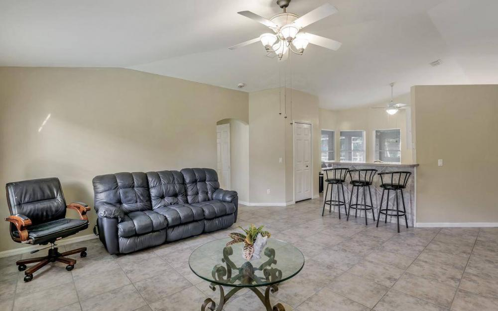 422 NW 39th Ave, Cape Coral - Home For Sale 994863208