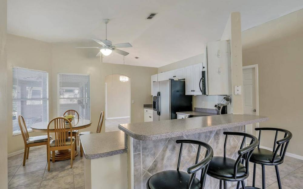 422 NW 39th Ave, Cape Coral - Home For Sale 2076222515