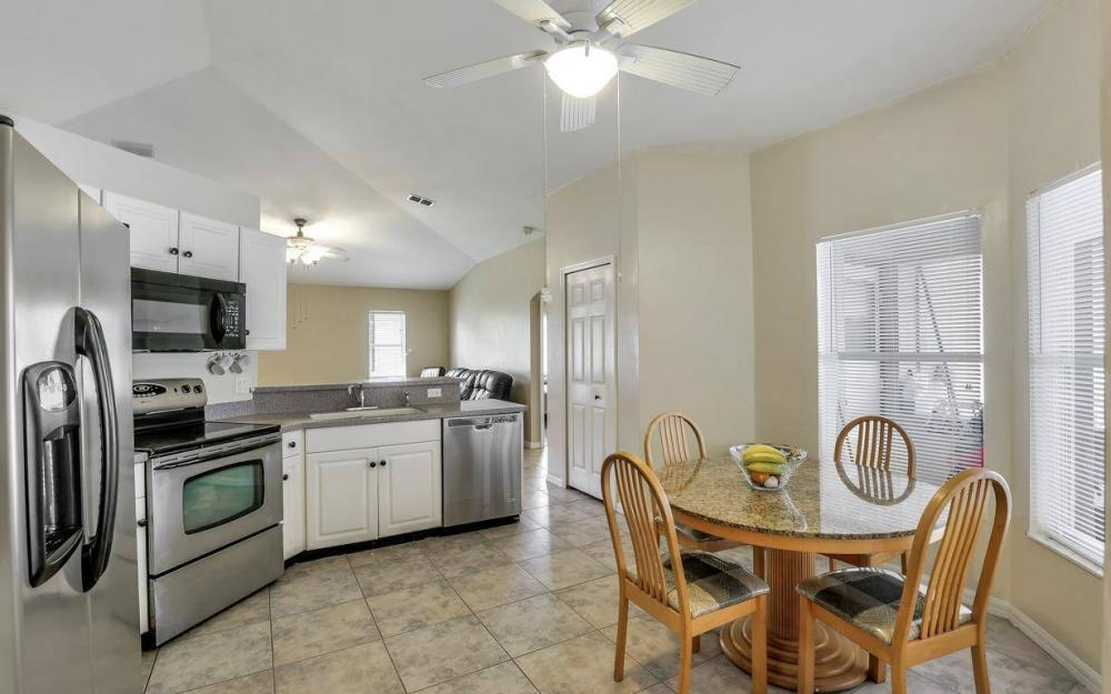 422 NW 39th Ave, Cape Coral - Home For Sale 1123226006