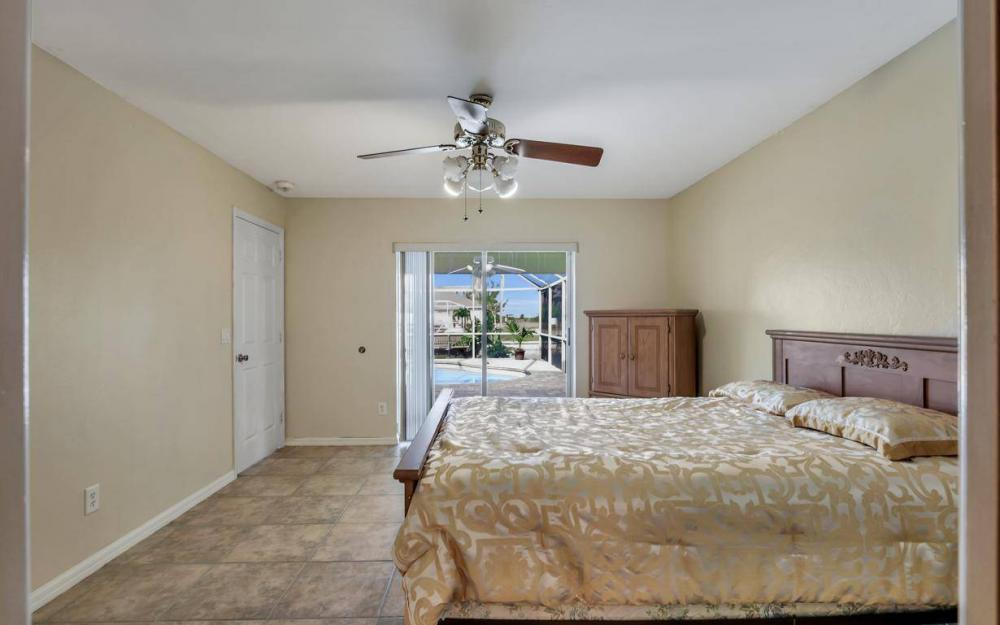 422 NW 39th Ave, Cape Coral - Home For Sale 944624643