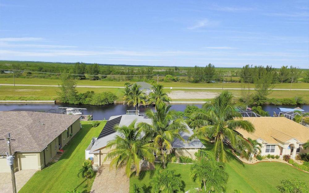 422 NW 39th Ave, Cape Coral - Home For Sale 278212343
