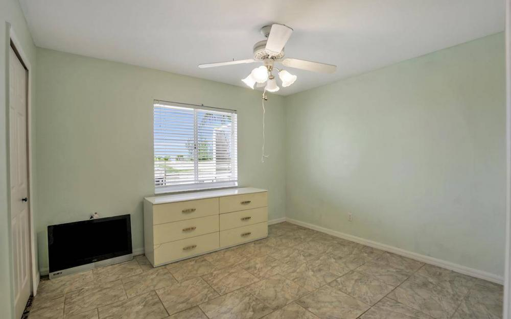 422 NW 39th Ave, Cape Coral - Home For Sale 1277355871