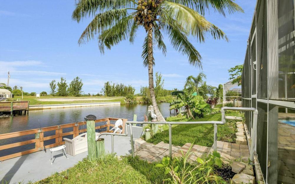 422 NW 39th Ave, Cape Coral - Home For Sale 707889987