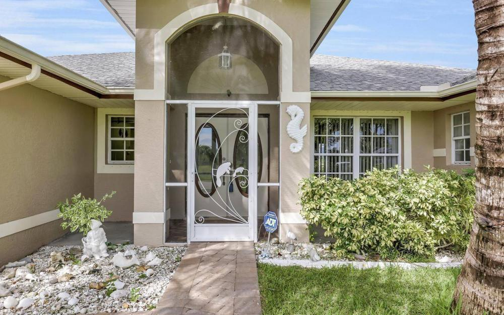 422 NW 39th Ave, Cape Coral - Home For Sale 612848206