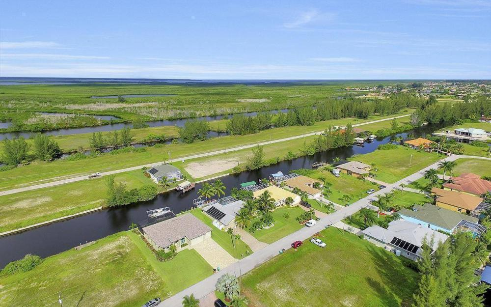 422 NW 39th Ave, Cape Coral - Home For Sale 1659881053