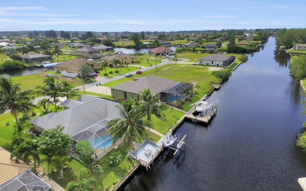 422 NW 39th Ave, Cape Coral - Home For Sale 1339372871